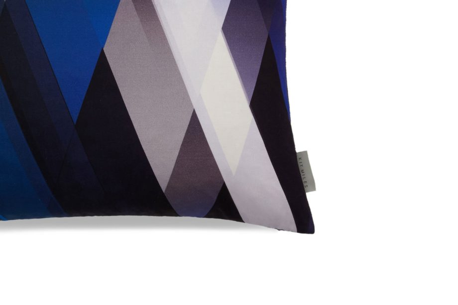 diagonal-gradient-blues-Detail