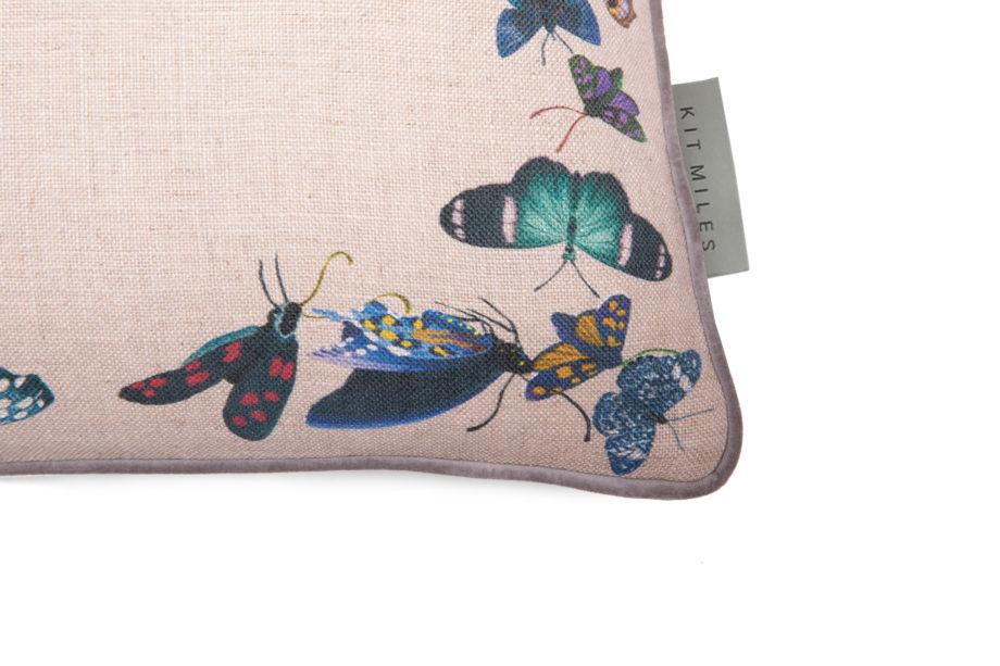 Metamorphosis cushion C-MEC-STO-LUN detail